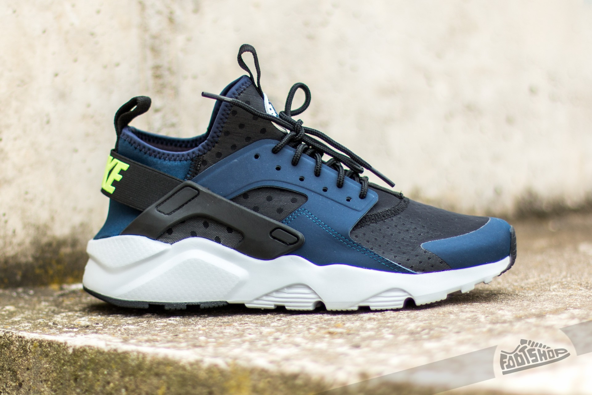 049db023e4d60 ... usa nike air huarache run ultra midnight navy ghost green black pure  platinum 06227 3aba5