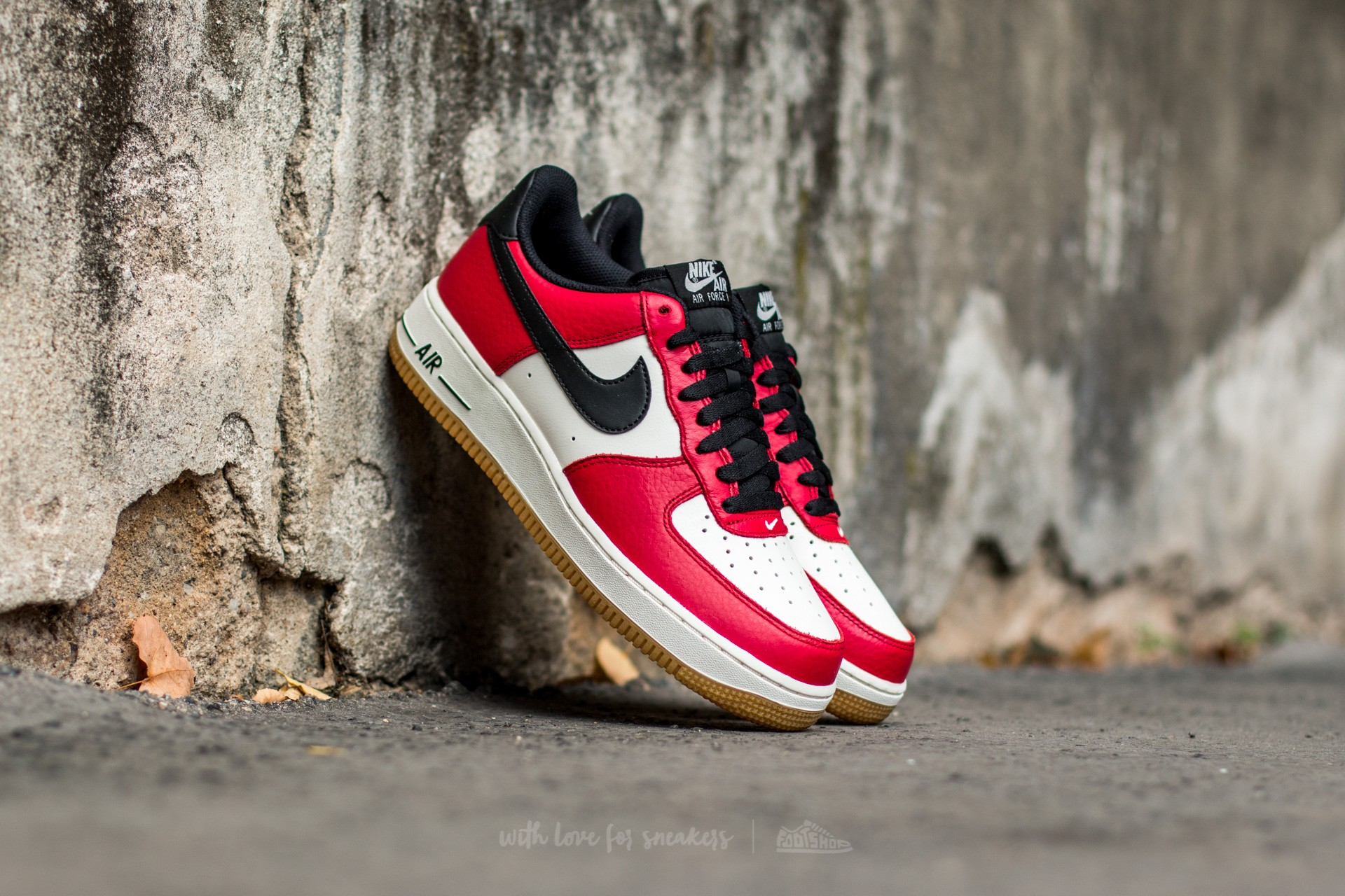 nike air force gym red white