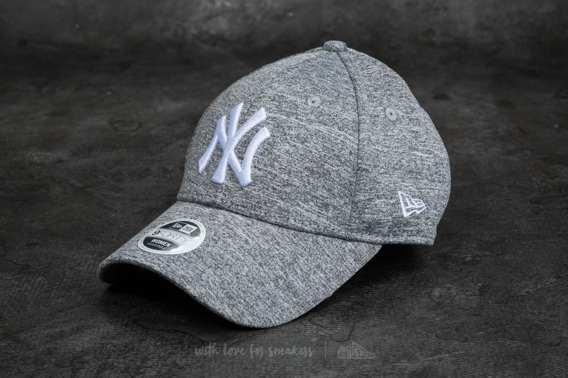 01bc2dd69e3 New Era 9Forty Women Adjustable Jersey Fleck New York Yankees Cap Gray