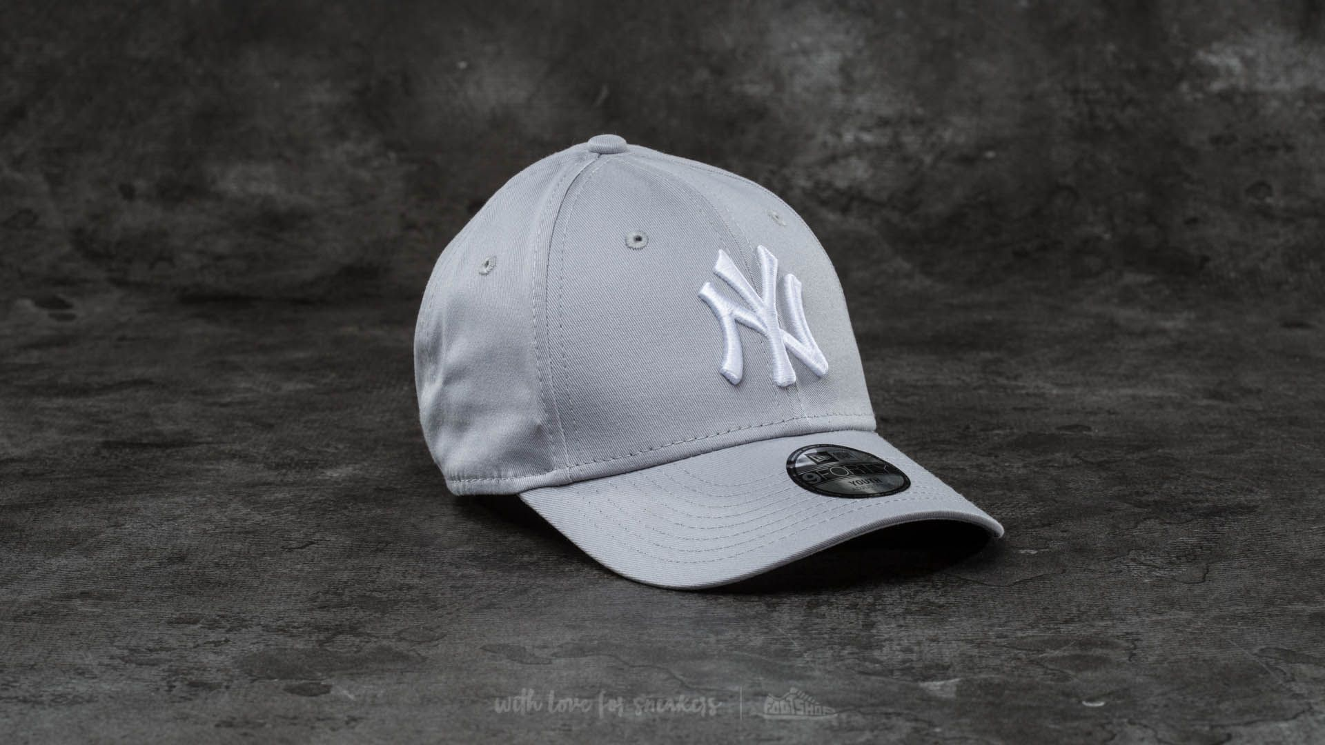 UPC 885429051525. New Era Boy s KIDS MLB BASIC NY YANKEES 9FORTY ADJUSTABLE  ... dc7d812d56