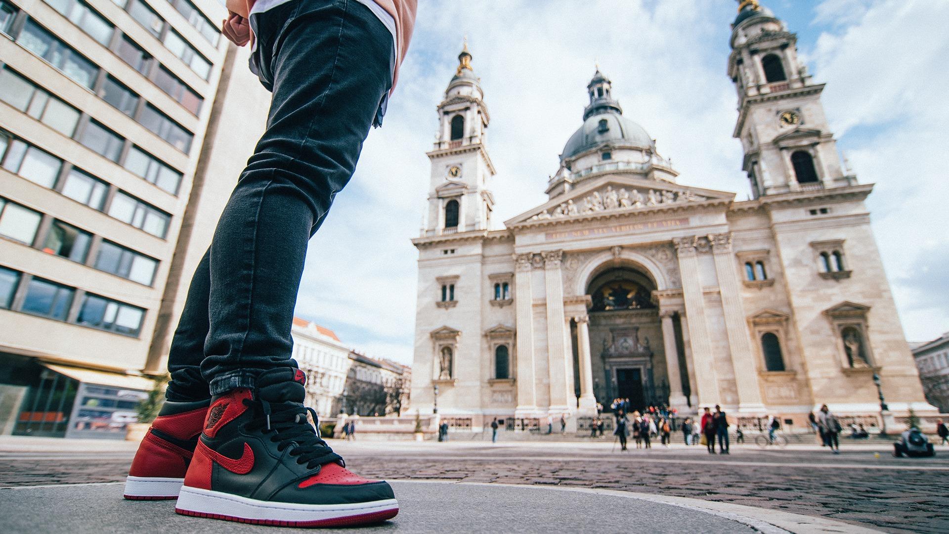 Editorial: Footshop meets Budapest