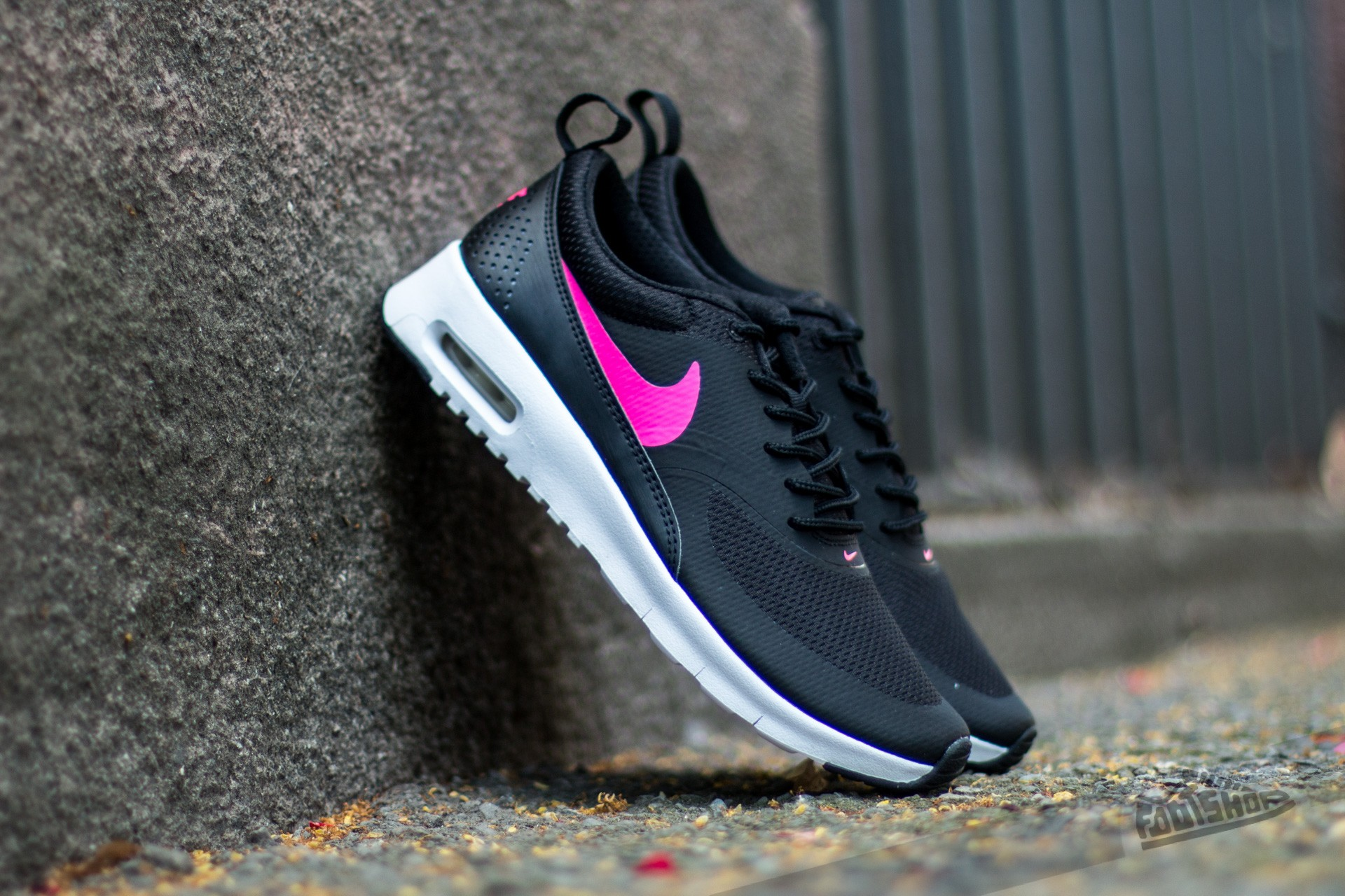 cheap nike air max thea black pink. Black Bedroom Furniture Sets. Home Design Ideas