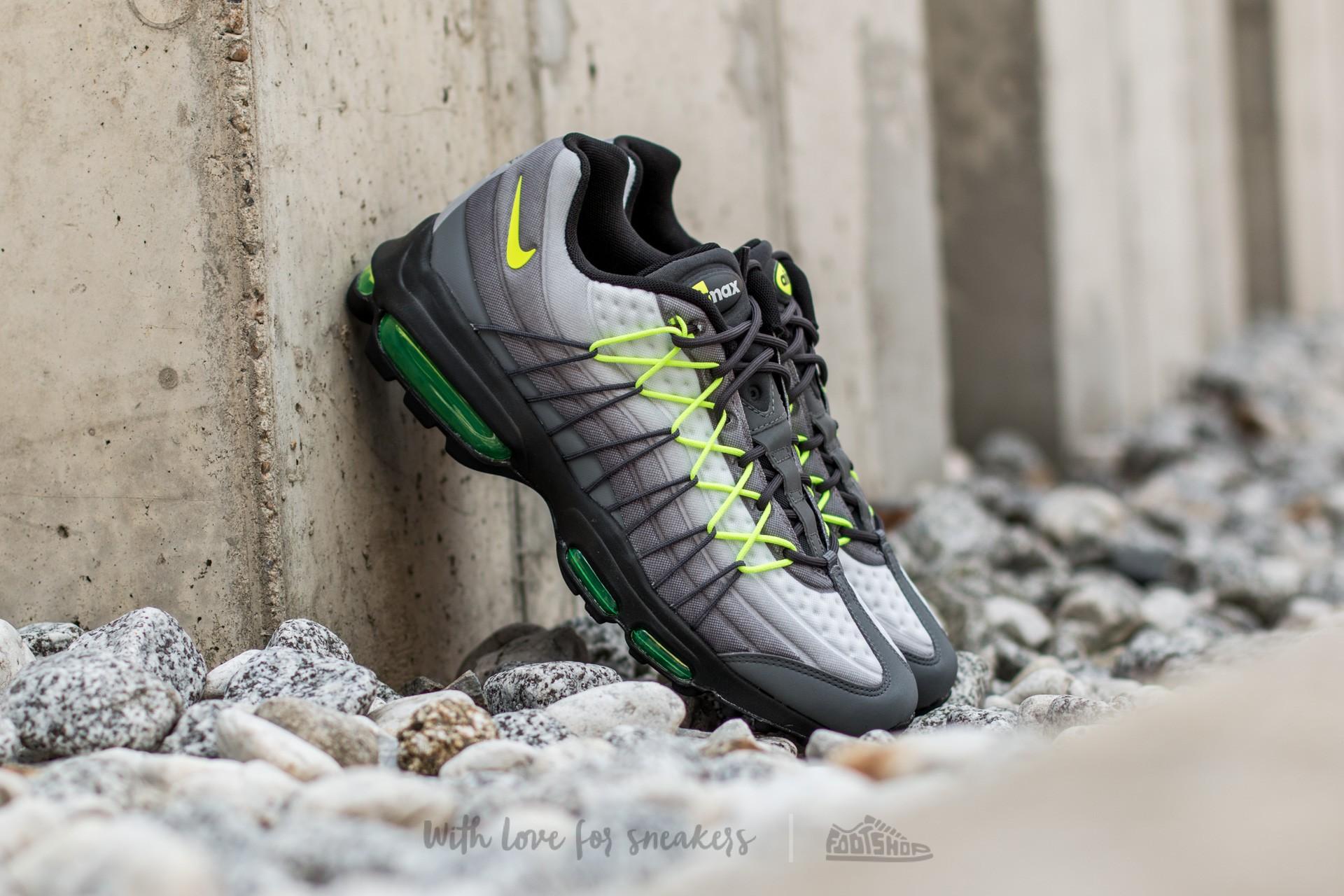 Nike Air Max 95 Essential Black Volt