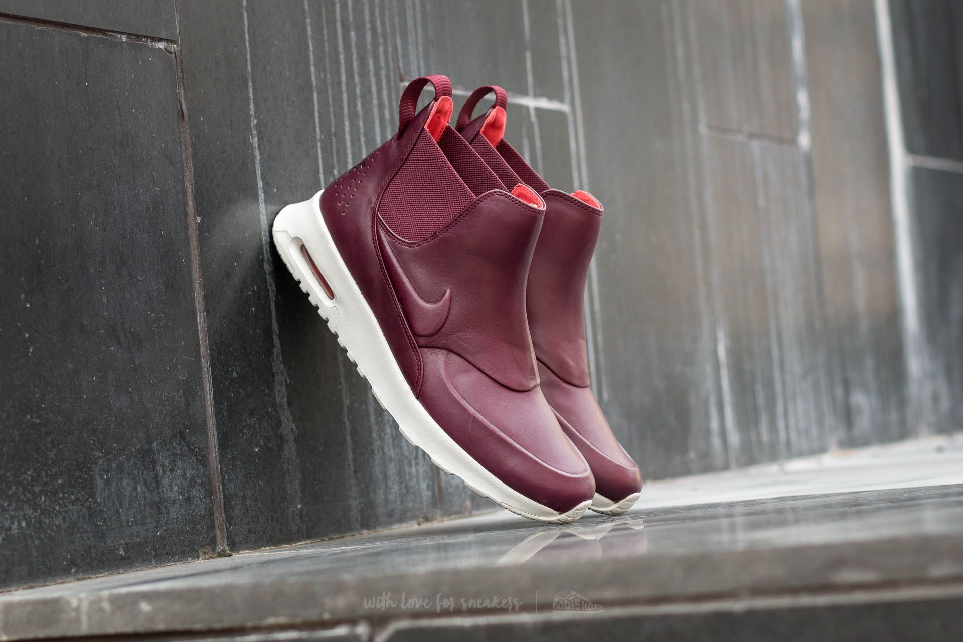 Buy online Nike Wmns Air Max Thea Mid in Night Maroon